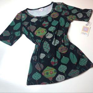NWT LuLaRoe Christmas Gigi t-shirt